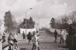 Ehemaliger Todesstreifen an der Grenzmauer bei Glienicke, 3.3.90, Fotografie 12,6x18,8 cm, Foto: Gerd Koischwitz © Museum Reinickendorf