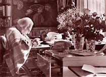 Wladimir Lindenberg in seinem Arbeitszimmer 1992