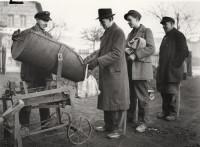 Kohlenzuteilung an Bürger im Bezirk Reinickendorf 29.1.1948 © Landesarchiv Berlin